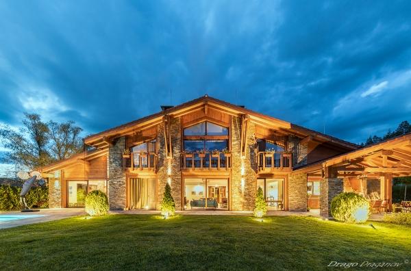 архитектурна фотография къща